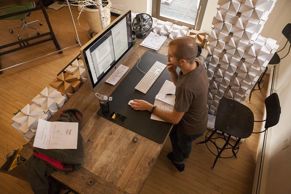 Travailler debout au bureau top office